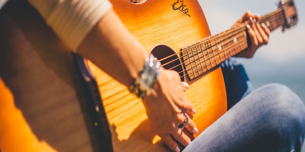 Image by StockSnap from Pixabay guitar 600x300